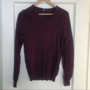 H&M burgundy v neck sweater